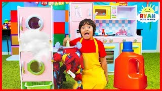 Ryan Pretend Play Washing Clothes at the Laundry Store!!!