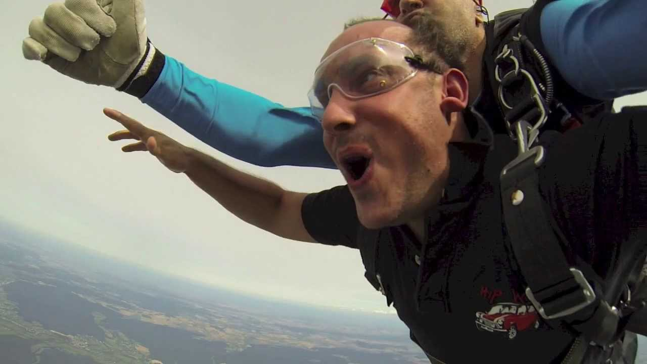 Saut en parachute nevers gopro hd3 embarqu e youtube - Saut en parachute nevers ...