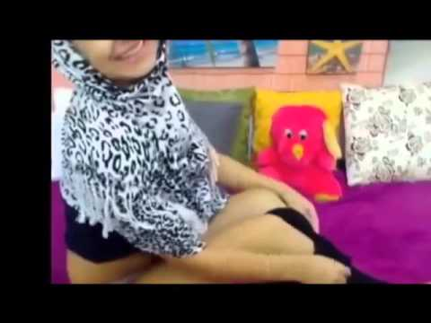 Redoubtable!!! Hot Dance By Hijab Girl On The Bed ~ Twerking Dance