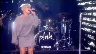 P!nk - So What - LIVE on For One Night Only - 12/October/2008