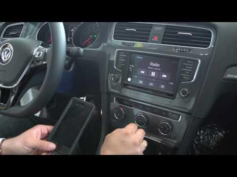 2017 VW Golf Alltrack Apple Car Play Overview