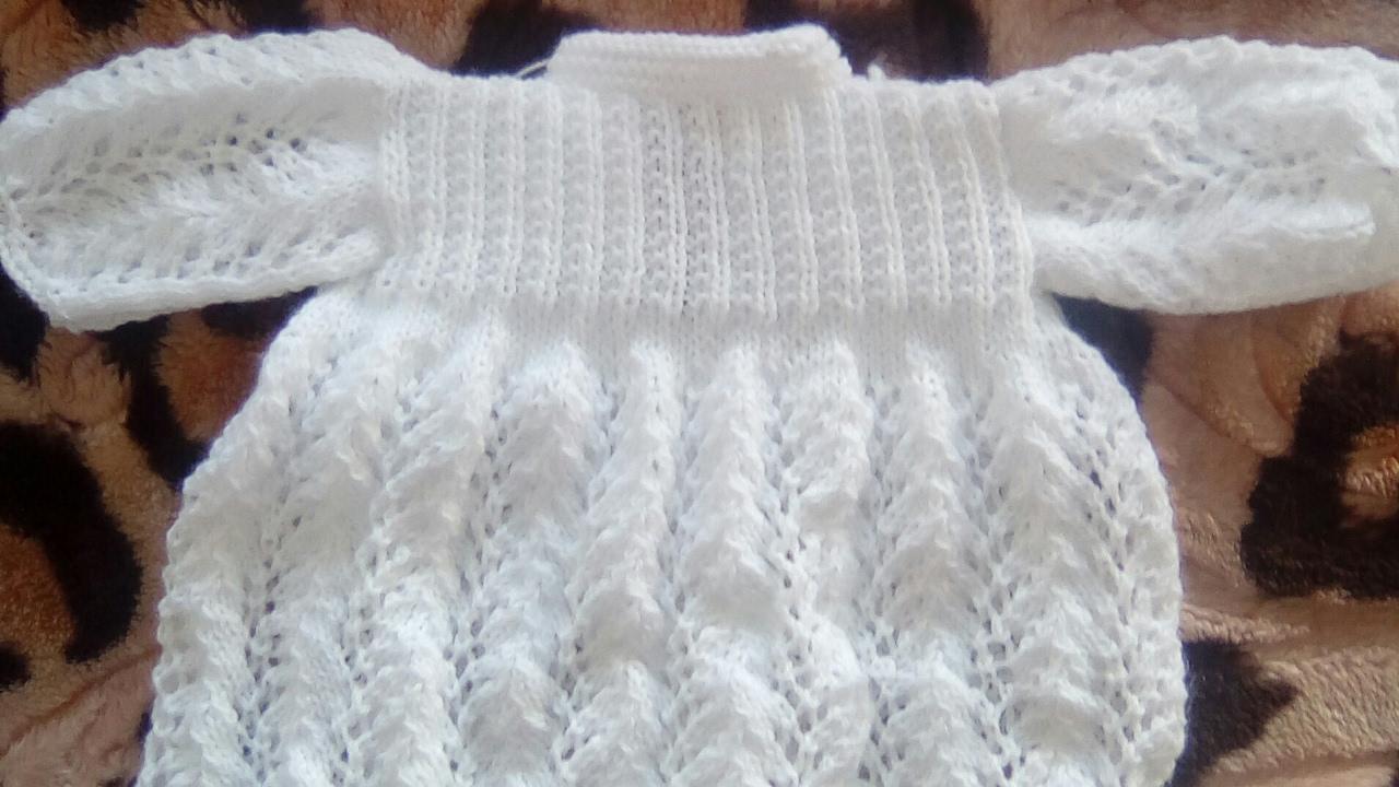 tuto robe brassi re b b au tricot suerte para b b baby sweater gilet pour b b au. Black Bedroom Furniture Sets. Home Design Ideas