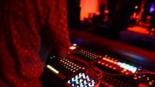 Tippy I Grade Dub + Black Chariot (Akae Beka Live In Kenya)