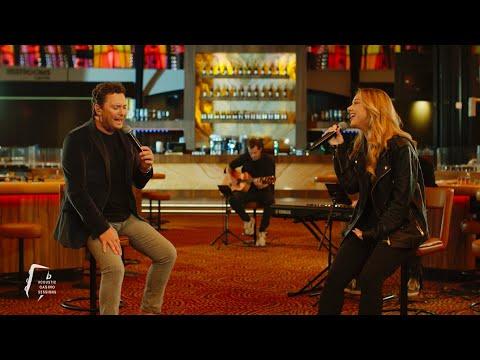 Tino Martin & Emma Heesters – Loop Niet Weg (Acoustic Casino Sessions)
