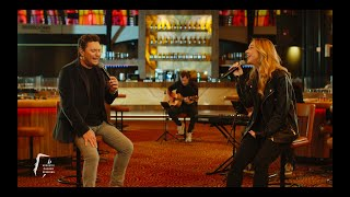 Tino Martin & Emma Heesters – Loop Niet Weg (Acoustic Casino Sessions)