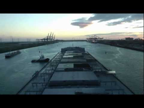 Time Lapse: Capesize Bulkcarrier Orient Vega sailing from Port of Rotterdam.