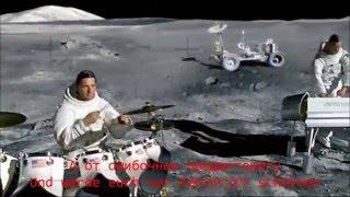 Rammstein - Ameriсa (Official Video) HD Lyrics Текст песни и перевод(В тексте в иронично-сатирическом ключе высмеивается тот факт, что весь мир «принадлежит» США. Wonderbra — фирма,..., 2014-04-03T11:21:45.000Z)