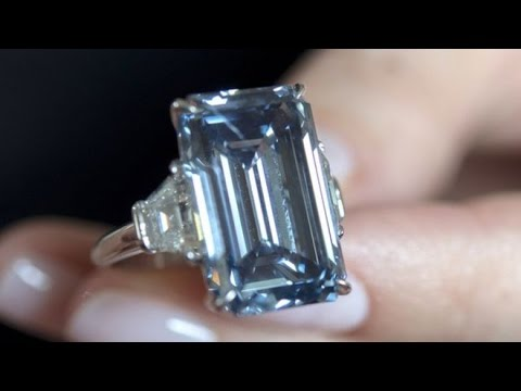 Oppenheimer Blue diamond sets new auction record