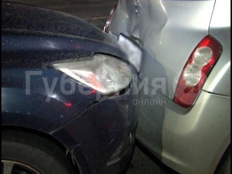Водитель новичок разбил две машины инструкторов хабаровской автошколы.MestoproTV