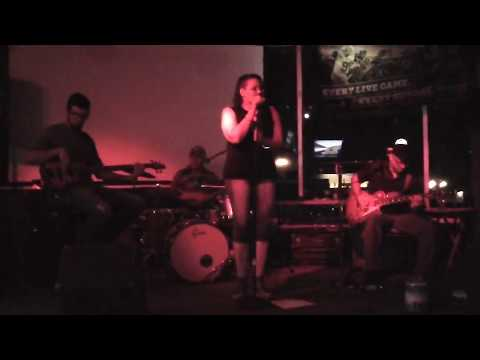 343MAH00004-Message In A Bottle-Heather Jones @ The Lost Dutchman 2017-09-09