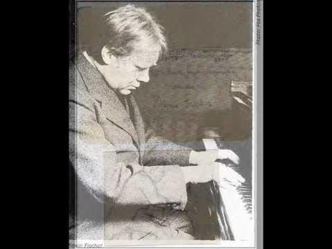 Edwin Fischer plays Mozart Fantasie in C minor KV 475