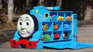 Thomas & Friends ☆ Big Thomas Station & Disney Cars Hide and Friends!