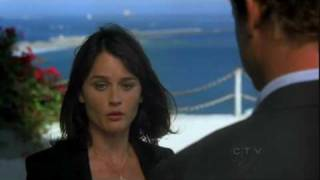 Jane, Lisbon 2x01 - Jane hugs Lisbon