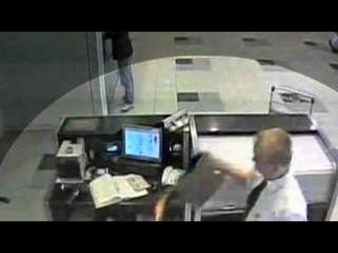 Полицейский рассказал, как воровали ценные вещи в аэропорту Внуково