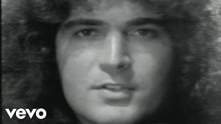 Watch Gino Vannelli Living Inside Myself video