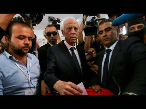 -الأستاذ، المحافظ-، -رجل الصرامة والنظافة- قيس سعيّد رئيس تونس الجديد؟  - نشر قبل 2 ساعة