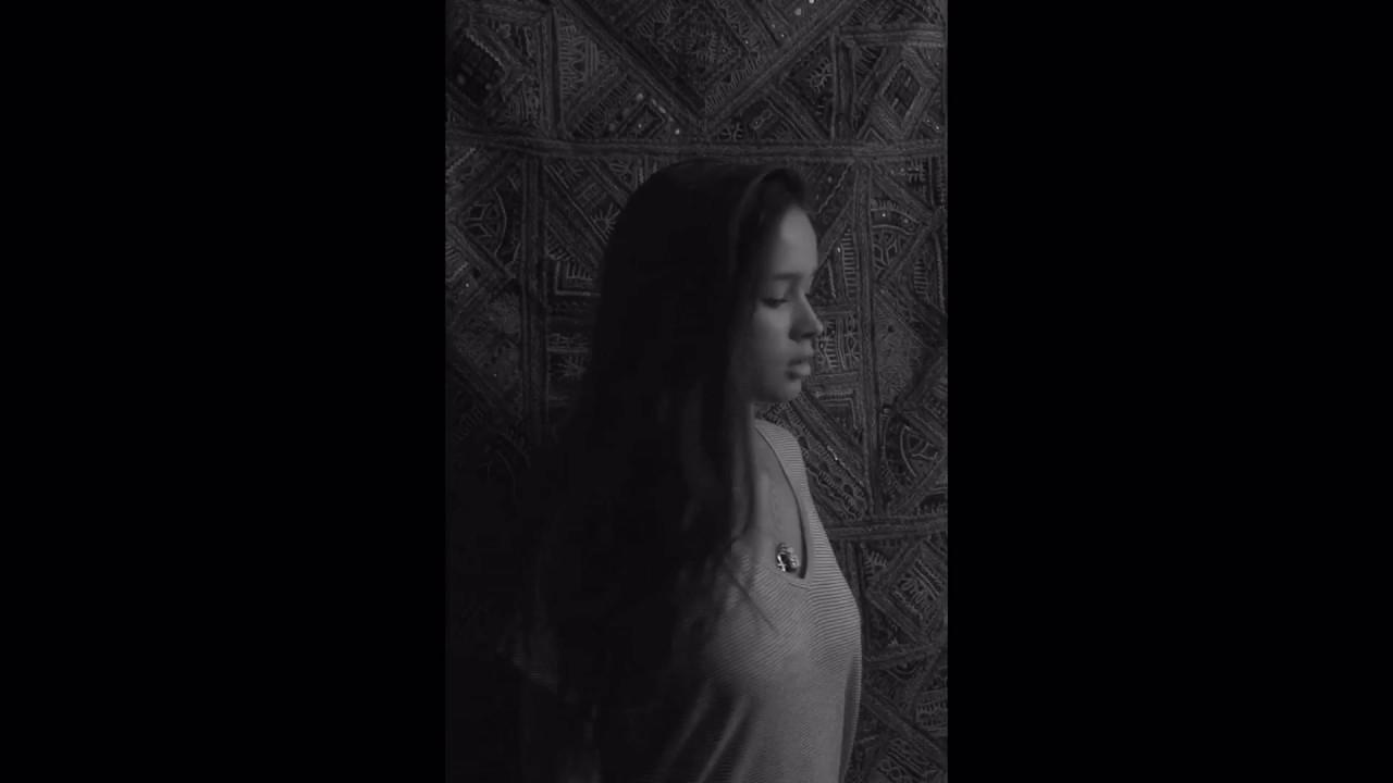Chandelier-Sia Cover By Clara López - YouTube