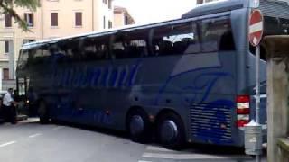 Autobus Gran Turismo in Via Verolin Cazzato a Padova