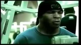 Майк Тайсон в спортзале