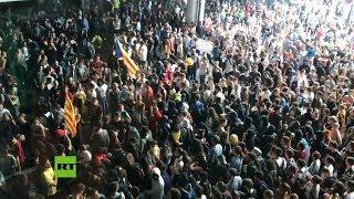 Protestas independentistas colapsan aeropuerto en Barcelona