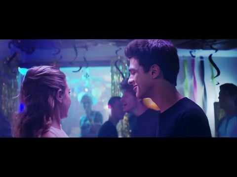 Alexander and Lo kiss scene (Alexander IRL)