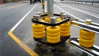 видео Металлические дорожные ограждения барьерного