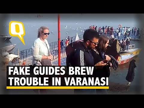 Fake Guides Brew Trouble for Foreign Tourists in Varanasi | The Quint