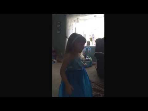 little girl singing let it go #frozen#letitgo#singing