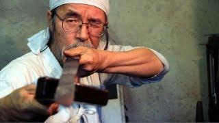 The Sword Maker - Korehira Watan, one of Japan's last remaining Swordsmiths (Documentary)