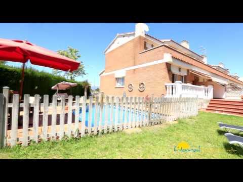Bonita casa de vacaciones en Cambrils con piscina y jardín privado