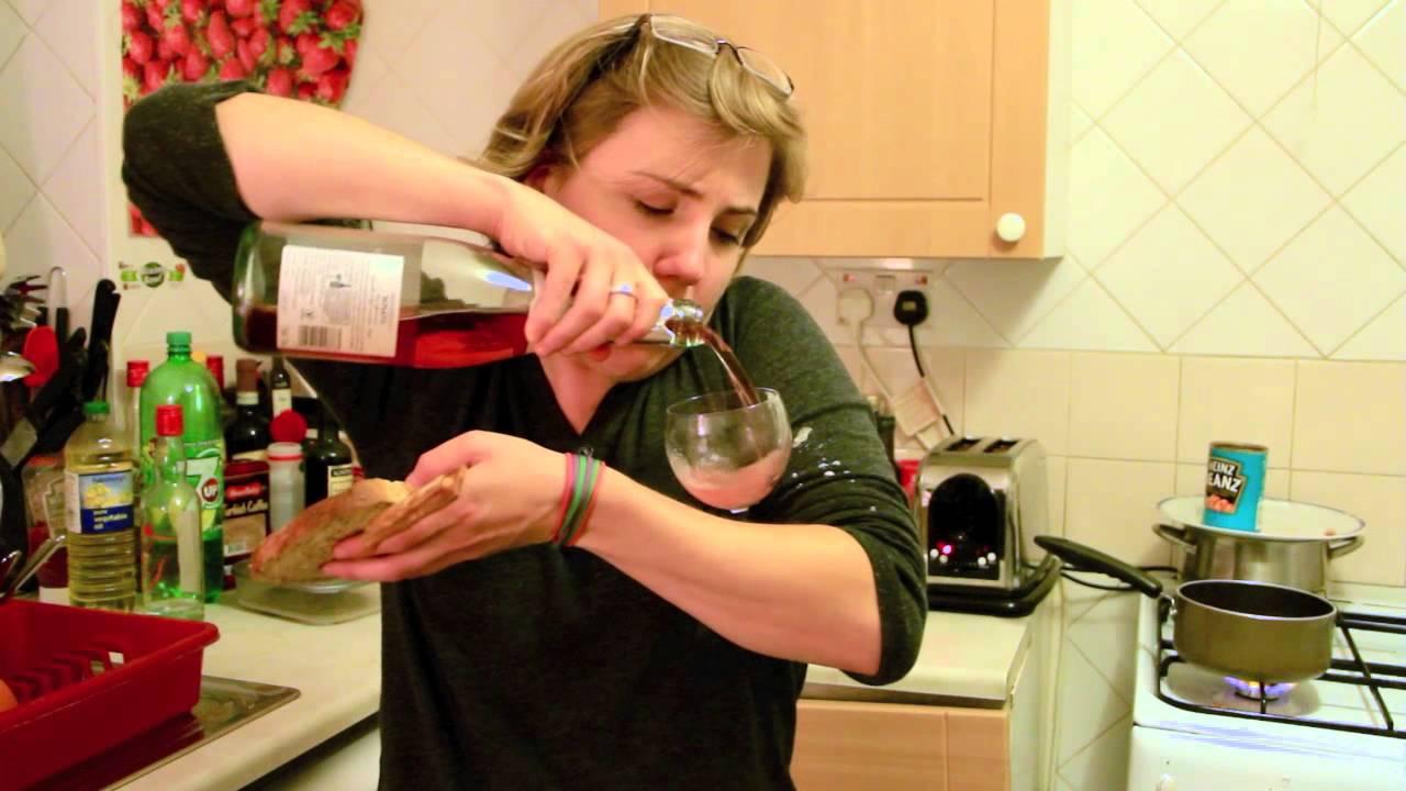My Drunk Kitchen, S2E11: TOAST - YouTube