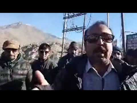 Kargil Live: People protest against State and district government for untimely Zojjila Closure. (1)