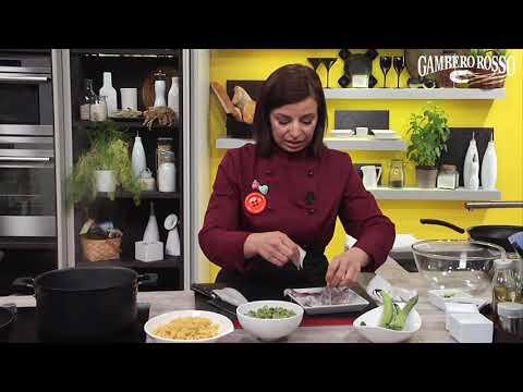 Radiatori con crema di fave e calamari - la ricetta di Adelaide Michelini