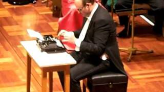Repeat youtube video The Typewriter  Leroy Anderson   Martin Breinschmid with Strauß Festival Orchestra Vienna