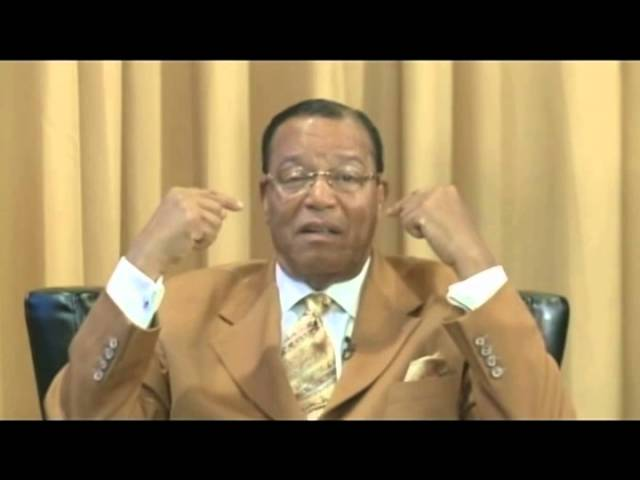 Farrakhan drops wisdom during his first online townhall meeting!