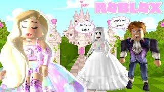 Her BESTFRIEND left her for being MEAN... (Roblox Royale High Roleplay)