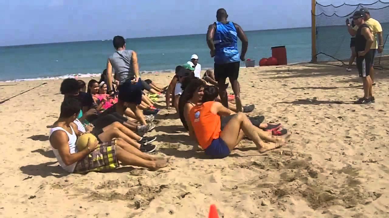 Juegos Y Ejercicios En La Playa Youtube