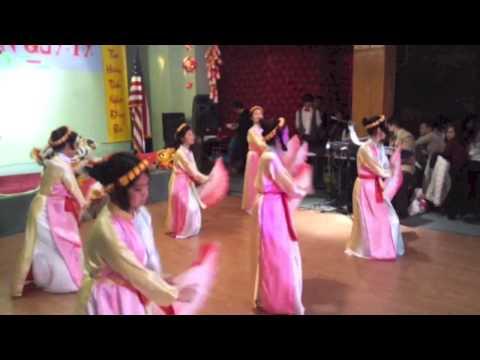 DVL Dance Vietnam 2013: Mua Quat Vietnamese Fan Dance