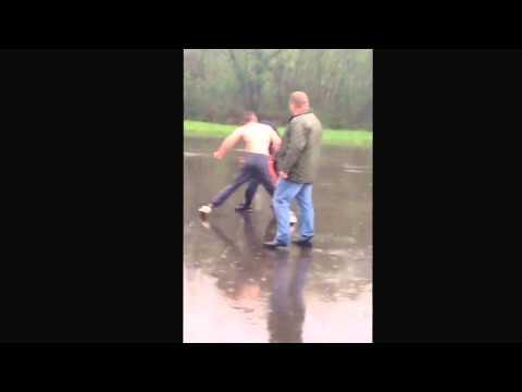 Cj mills vs jimmy lee GYPSY FIGHT IN THE RAIN! 2014