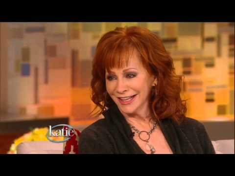 """Reba """"Thrilled"""" to Have Kelly Clarkson as a Daughter-in-Law"""