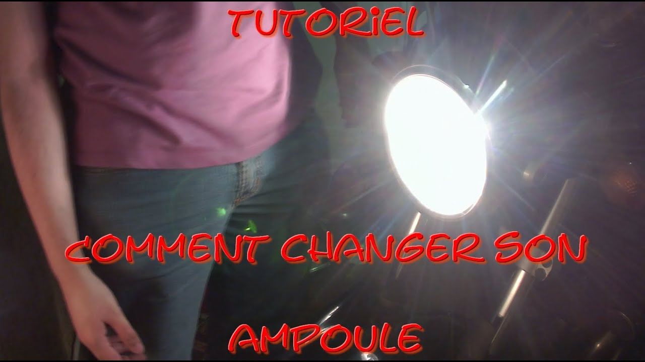 tutoriel comment changer son ampoule de phare d 39 une moto youtube. Black Bedroom Furniture Sets. Home Design Ideas