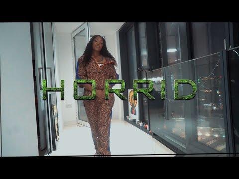 Смотреть клип Lady Leshurr - Horrid