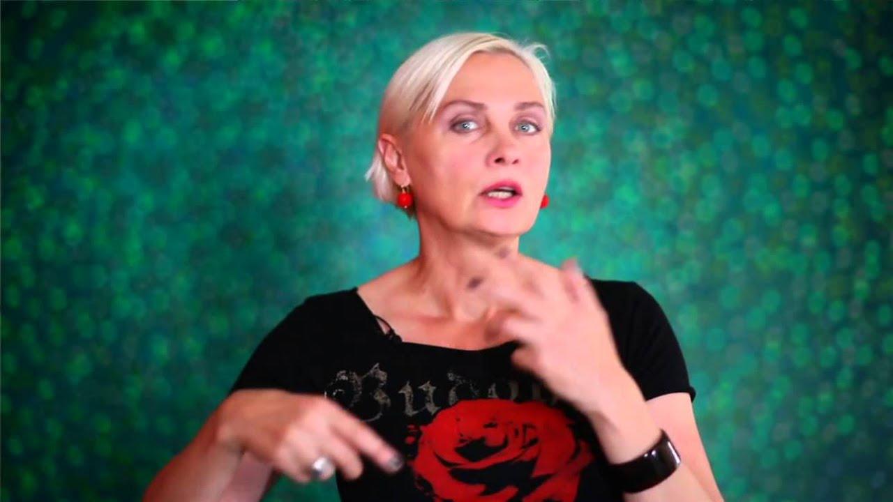 Download Meet The Artist: Anja Huwe - boesner.tv