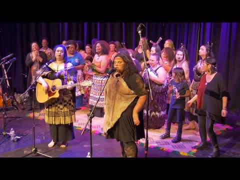 The Clementines - 50 Ways to Leave Your Lover (Paul Simon) from YouTube · Duration:  3 minutes 41 seconds