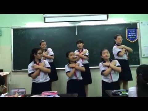 "Lop 6/3 Truong THCS Thuc hien Bai hat ""Di Cay """