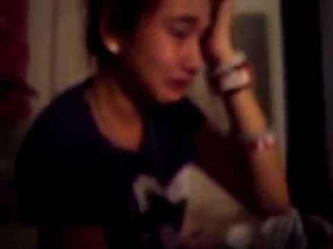 13 Year Old Girl Crying Over Justin Bieber.!! :D - YouTube
