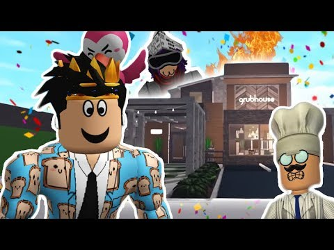 TOURING AND DINING AT MY FRIEND'S FANCY BLOXBURG RESTAURANT... it went wild
