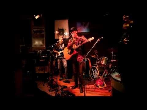 Blackadillacs Trio al Barricada Cafè