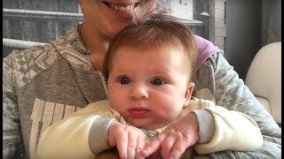 видео развитие малыша 4 месяца