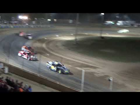 I.M.C.A. Heat Race #3 at Crystal Motor Speedway, Michigan, on 09-16-2017!